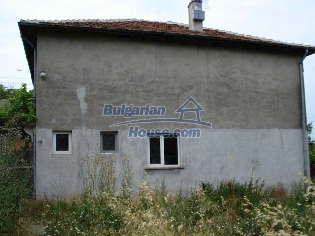 11402:4 - Spacious rural house near Elhovoexcellent investment