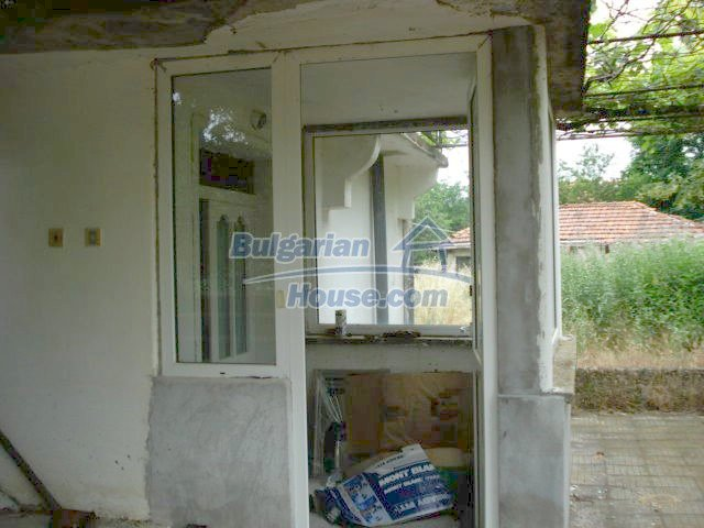 11402:5 - Spacious rural house near Elhovoexcellent investment