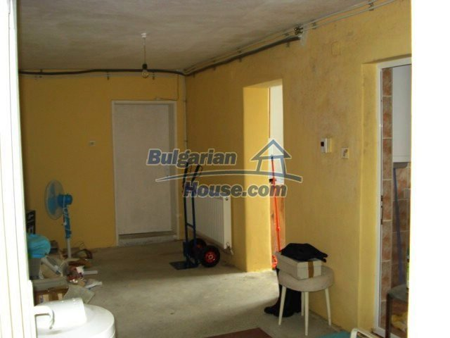 11402:6 - Spacious rural house near Elhovoexcellent investment