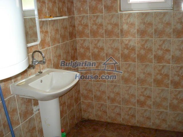 11402:7 - Spacious rural house near Elhovoexcellent investment