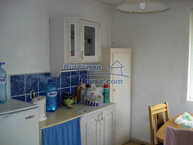 11402:20 - Spacious rural house near Elhovoexcellent investment