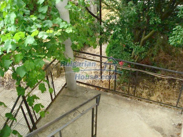 11402:21 - Spacious rural house near Elhovoexcellent investment