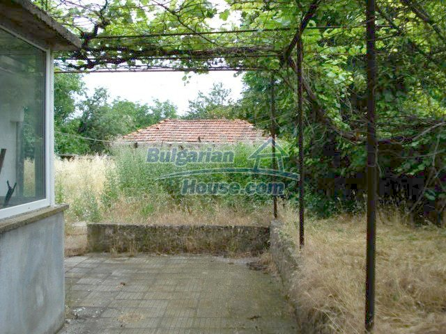11402:22 - Spacious rural house near Elhovoexcellent investment