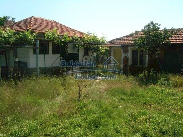 11412:10 - Cheap well presented house near Sredets and the Black Sea