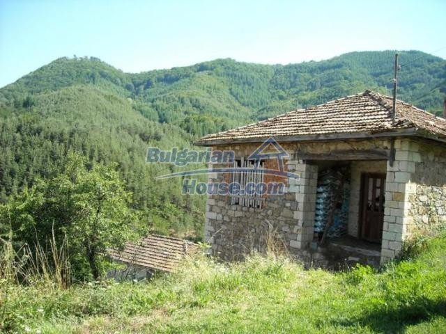 11420:1 - Sunny house with astounding views near Kardzhali