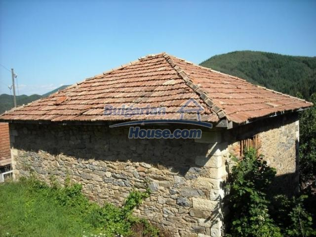 11420:3 - Sunny house with astounding views near Kardzhali