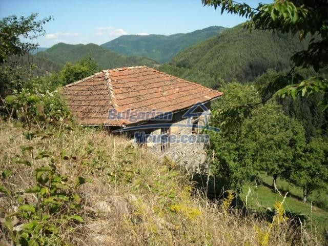 11420:12 - Sunny house with astounding views near Kardzhali