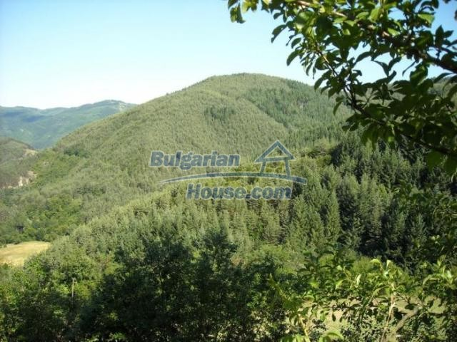 11420:15 - Sunny house with astounding views near Kardzhali