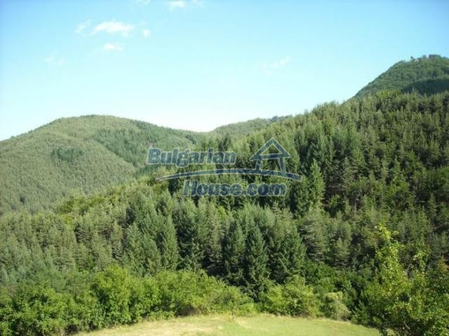 11420:17 - Sunny house with astounding views near Kardzhali