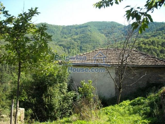 11420:8 - Sunny house with astounding views near Kardzhali