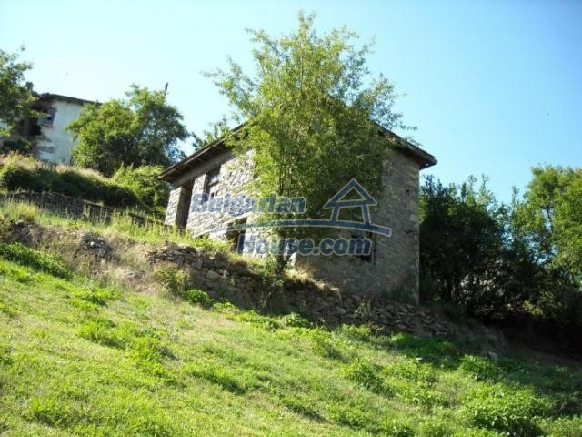 11420:9 - Sunny house with astounding views near Kardzhali