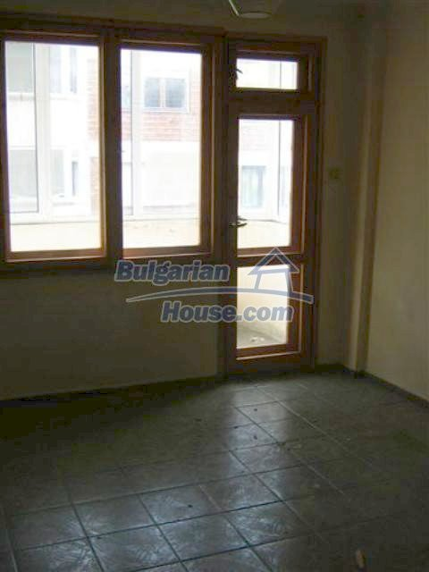 11427:14 - Large completed four-bedroom apartment in Nessebar