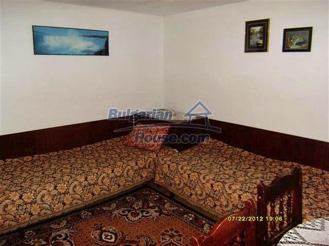11434:5 - Cheap brick house in an adorable area near Elhovo