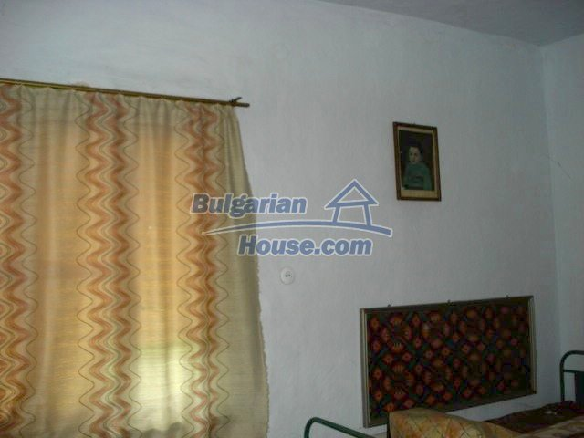 11434:7 - Cheap brick house in an adorable area near Elhovo