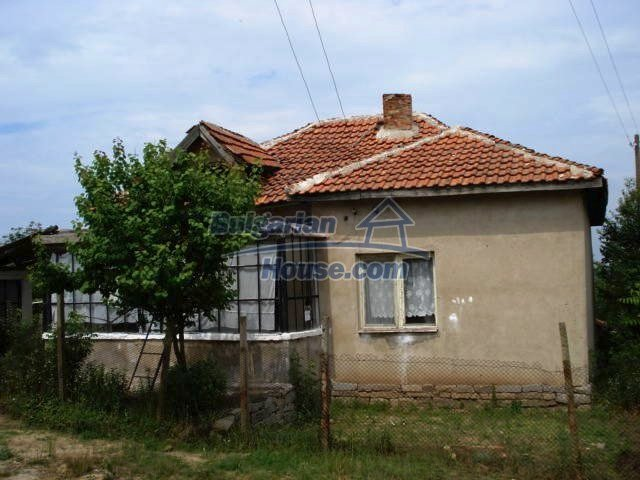 11435:1 - Well presented house in a tranquil Bulgarian countryside