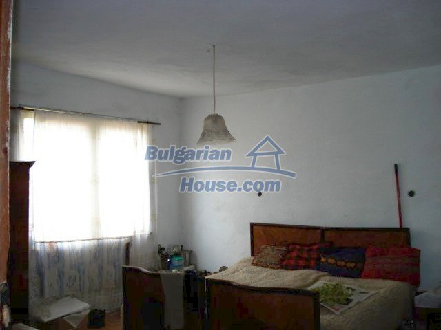 11435:5 - Well presented house in a tranquil Bulgarian countryside