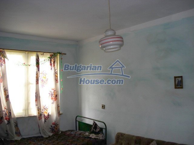 11435:6 - Well presented house in a tranquil Bulgarian countryside