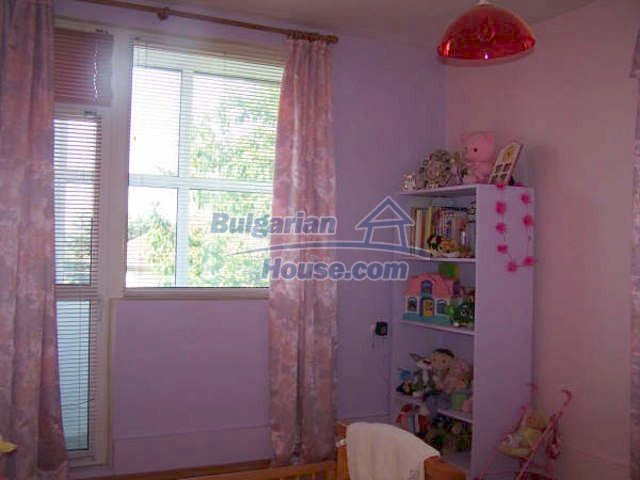 11439:5 - Spacious and sunny house with a wonderful garden - Elhovo