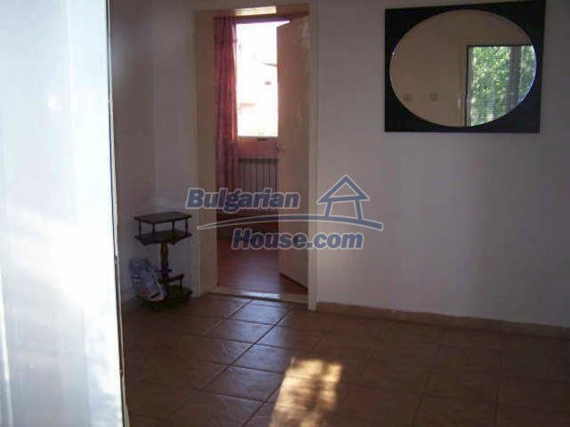 11439:8 - Spacious and sunny house with a wonderful garden - Elhovo