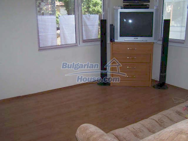 11439:12 - Spacious and sunny house with a wonderful garden - Elhovo