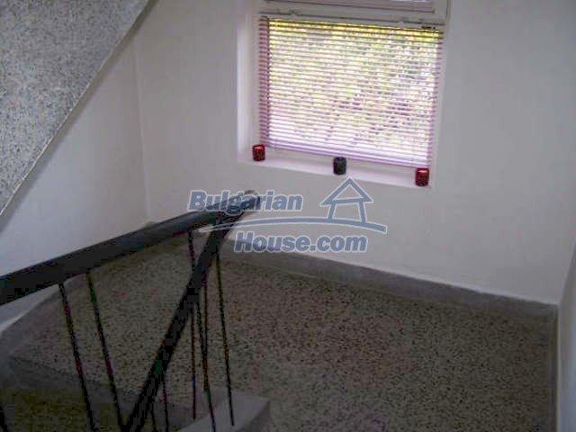 11439:17 - Spacious and sunny house with a wonderful garden - Elhovo