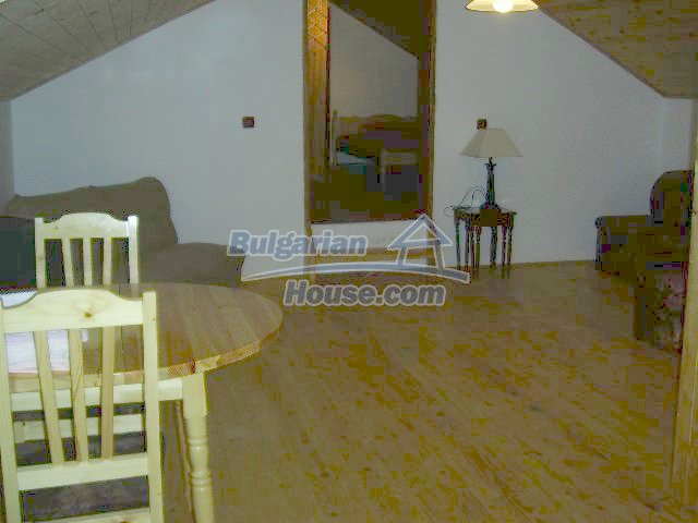 11446:9 - Sunny and well presented home for sale in Elhovo