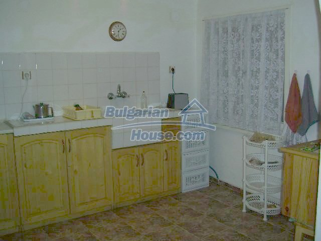 11446:12 - Sunny and well presented home for sale in Elhovo