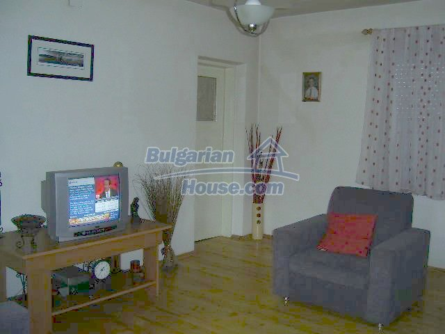 11446:14 - Sunny and well presented home for sale in Elhovo