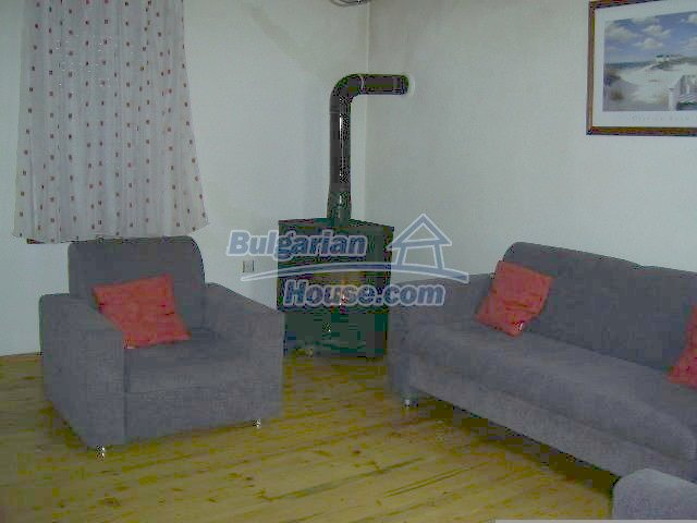 11446:15 - Sunny and well presented home for sale in Elhovo