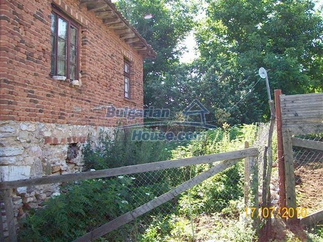 11454:2 - Cheap house with a mountain panorama near Malko Turnovo