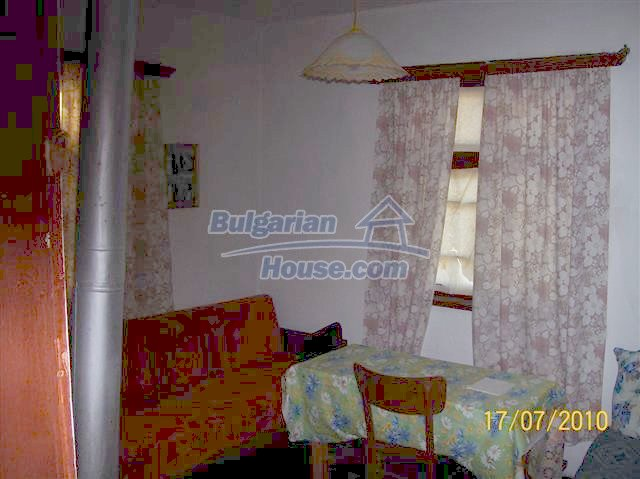 11454:9 - Cheap house with a mountain panorama near Malko Turnovo
