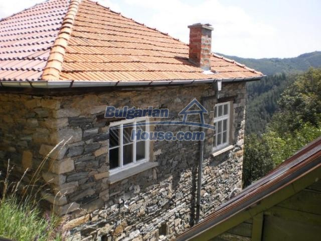 11456:1 - Authentic house in very good condition near Smolyan