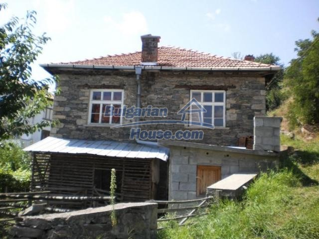 11456:3 - Authentic house in very good condition near Smolyan
