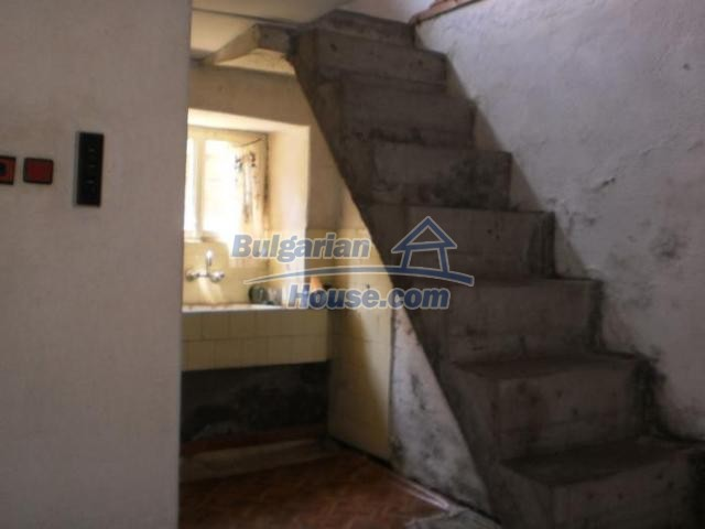 11456:13 - Authentic house in very good condition near Smolyan