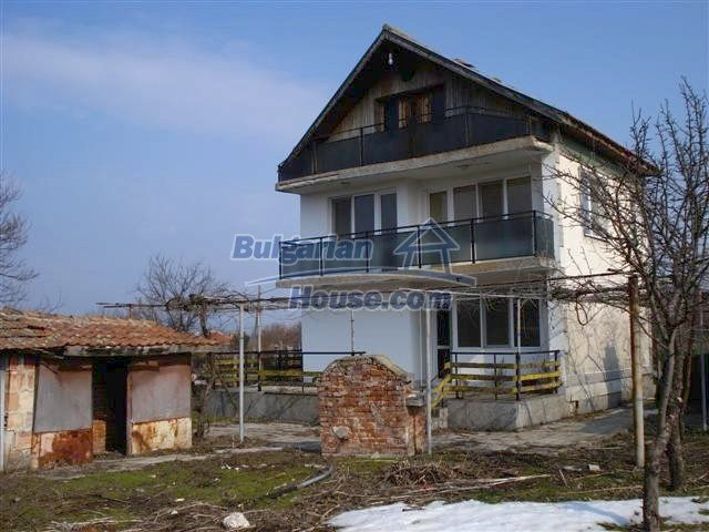 11462:2 - Charming well presented rural house near Yambol