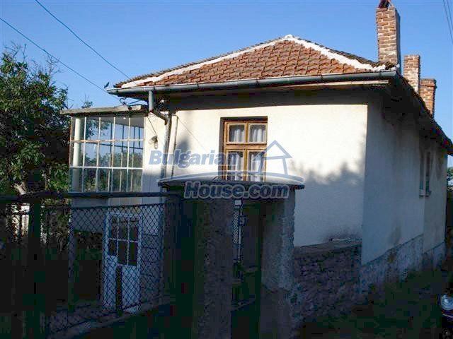 11464:2 - Pretty rural house with a big garden near Elhovo