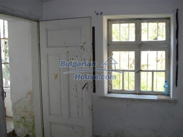 11464:10 - Pretty rural house with a big garden near Elhovo