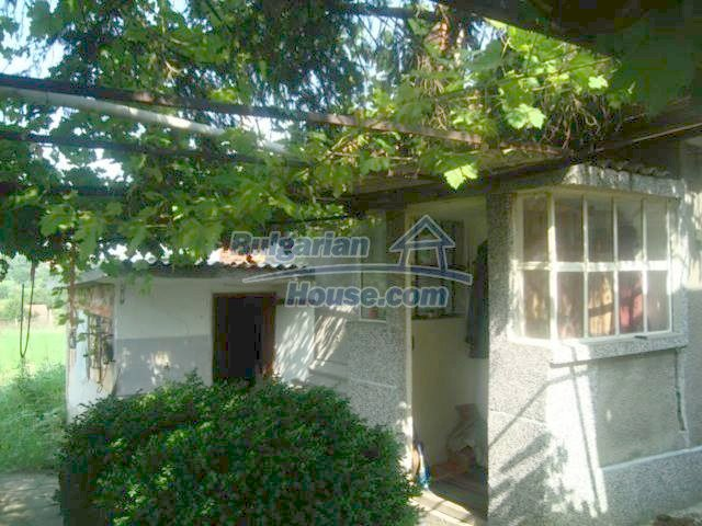 11467:10 - Lovely house with a large garden close to Elhovo