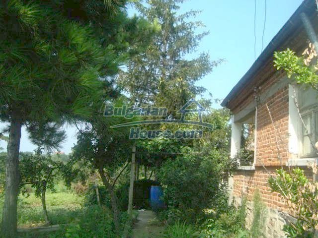 11467:12 - Lovely house with a large garden close to Elhovo