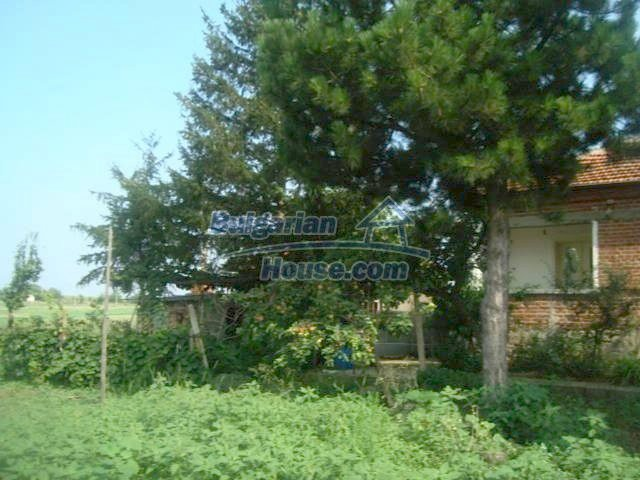 11467:14 - Lovely house with a large garden close to Elhovo