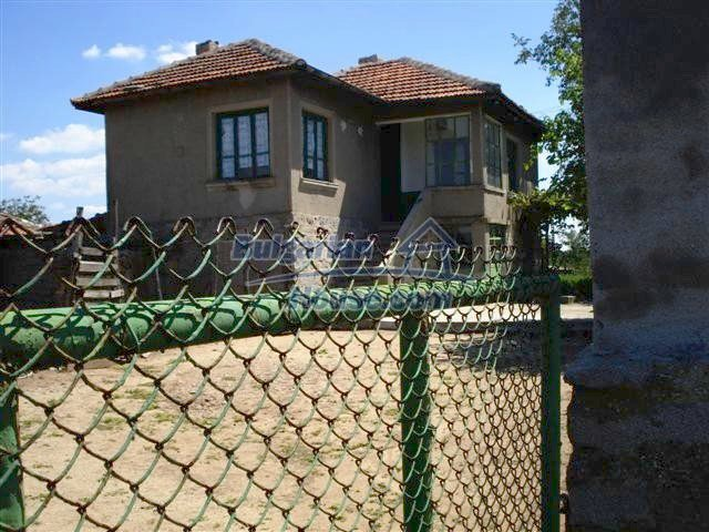 11473:11 - Incredible rural property with a huge garden 10 km from Elhovo