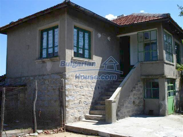 11473:12 - Incredible rural property with a huge garden 10 km from Elhovo
