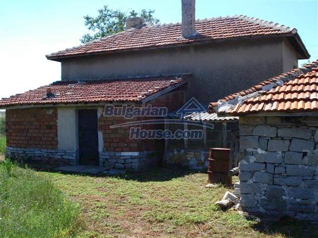 11473:14 - Incredible rural property with a huge garden 10 km from Elhovo