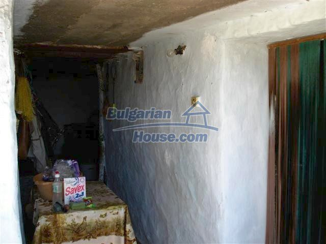 11473:15 - Incredible rural property with a huge garden 10 km from Elhovo