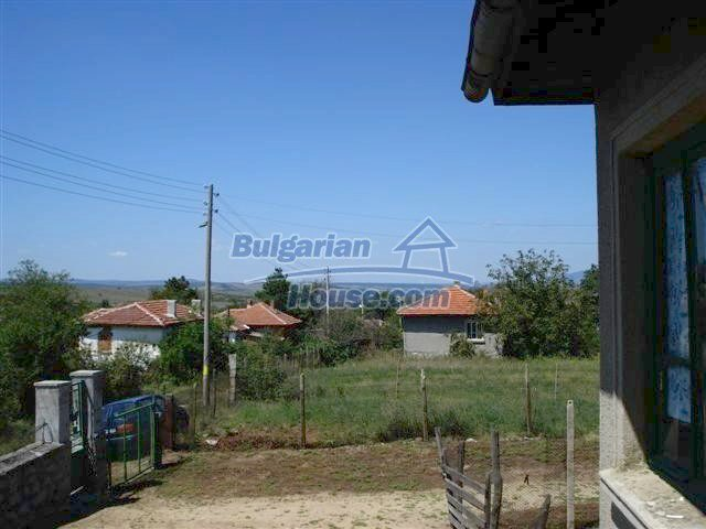 11473:26 - Incredible rural property with a huge garden 10 km from Elhovo