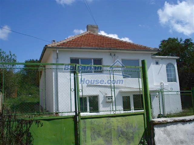 11476:3 - Perfectly maintained renovated rural house near Elhovo