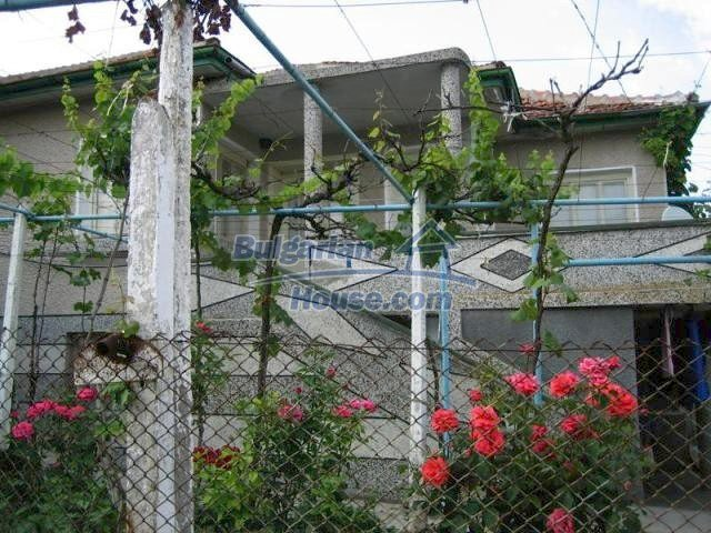 11483:1 - Cheap lovely family home in a serene villageYambol region