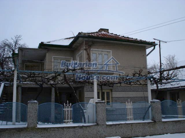 11483:4 - Cheap lovely family home in a serene villageYambol region