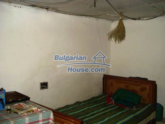 11483:24 - Cheap lovely family home in a serene villageYambol region