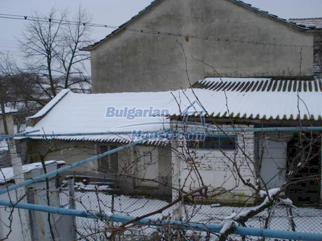 11483:29 - Cheap lovely family home in a serene villageYambol region